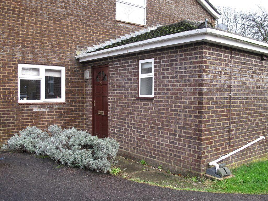 Rowan Close, Sway